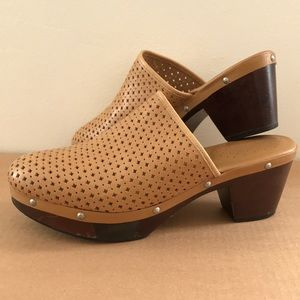 Rockport Clogs with adiPRENE insoles by Adidas